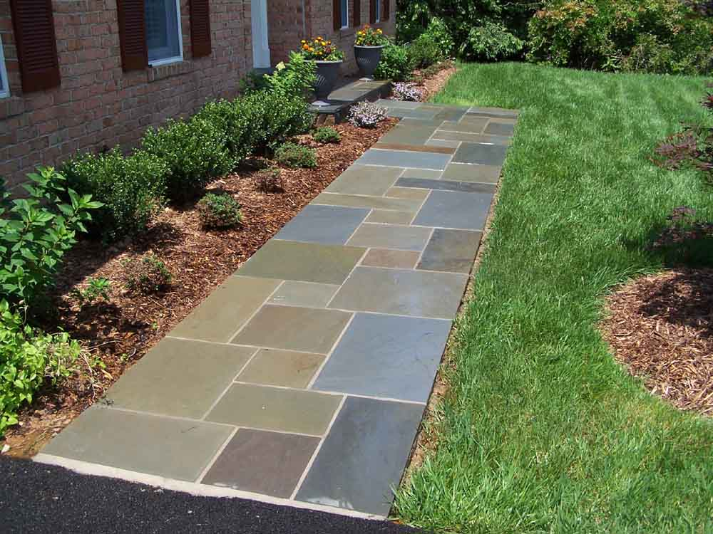 flagstone-walkway-square-and-rectangular-cut