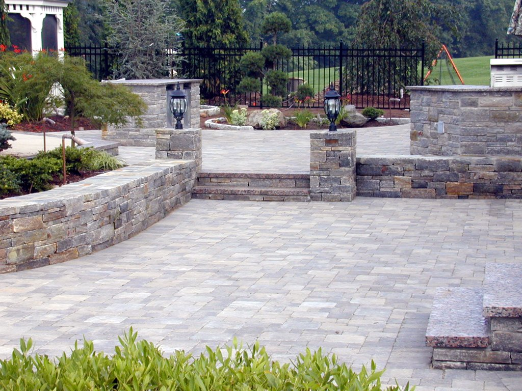 mansion-pavers-patio-va